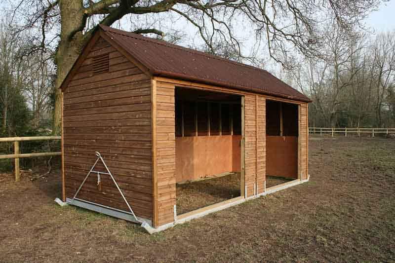 Mobile field shelter