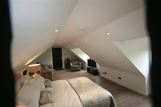 Room above Garage in Bedfordshire 6