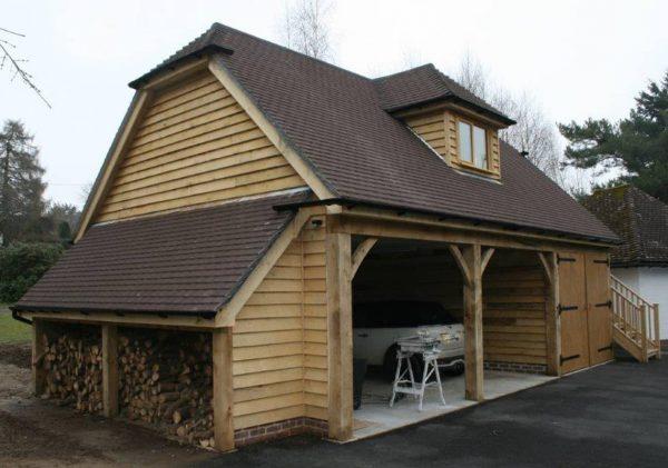 Room above garage workshop2