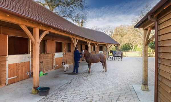 Equestrian, Stables and American Barns